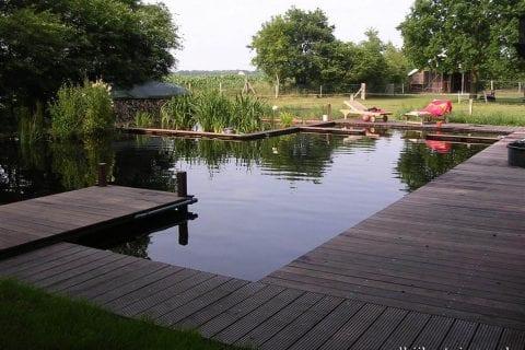 zwemvijver-met-hardhout-vlonders1